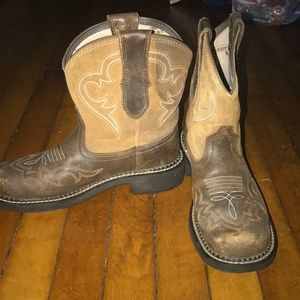 Ariat Brown short Boots